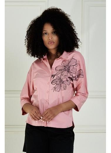 JEANNE D'ARC JEANNE D'ARC Göğüsü Nakışlı Yarasa Kol Pamuk Bluz JB20711 Pudra